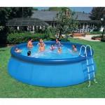 Сборный бассейн на дачном участке