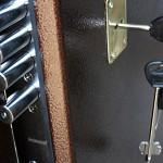 Сколько листов металла поставить в бронированную  дверь