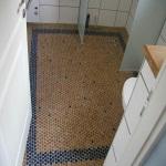 Использование мозаичных и пробковых плиток