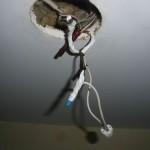 Замена проводки потолочного светильника
