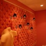 Плюсы и минусы обивки стен тканью