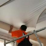 Стоит ли устанавливать натяжной потолок самостоятельно