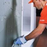 Проведение отделки стен в помещении