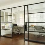 Преимущества стеклянных раздвижных дверей