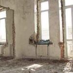 Демонтаж старых стен в квартире