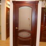 Ремонт дверей, отделанных шпоном