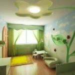 Клеим бумажные обои в детской комнате