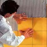 Наклейка кафельной плитки на стены