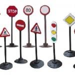 Цена дорожного знака и актуальность его приобретения