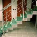 Знакомимся ближе: стеклянные лестницы