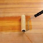Как правильно покрыть полы лаком?