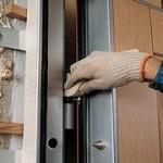 Начинаем ремонт с входной двери