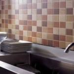 Наклейка кафельной плитки на кухне