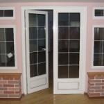Пластиковые двери для дома