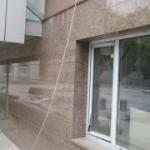 Преимущества керамогранита для отделки фасадов