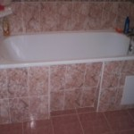 Устанавливаем плитку в ванной комнате