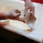 Как нанести новое покрытие на ванну?