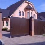 Виды и преимущественные факторы гаражных ворот