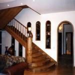 Находим где купить деревянную лестницу в Киеве