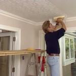 Как подготовить потолок к поклейке ?