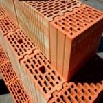 Кладем стены из керамических блоков