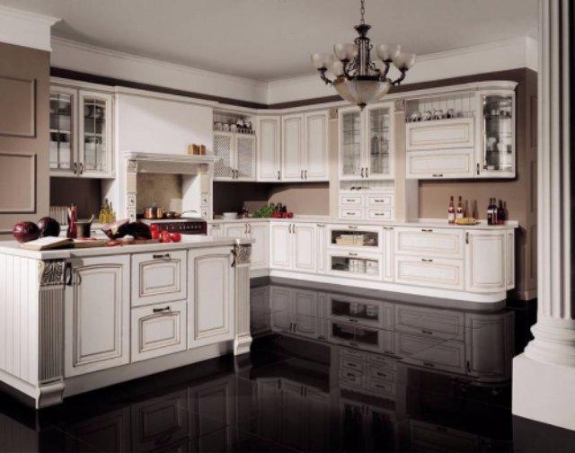 Белая кухня с необычным интерьером из дерева