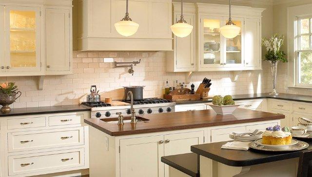 Кухня, выполненная полностью из дерева