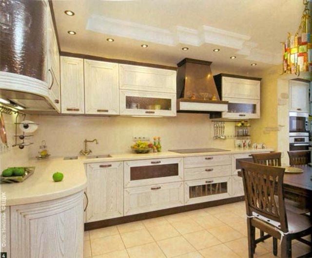 Светло-деревянный интерьер кухни