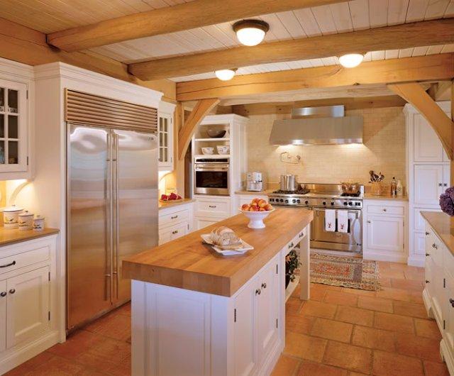 Дизайн интерьера кухни под крышей