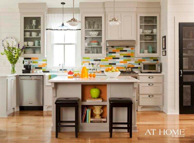 Дизайн кухни в ярких оттенках