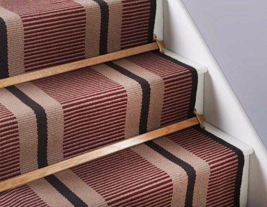 Как правильно стелить ковер на лестницах