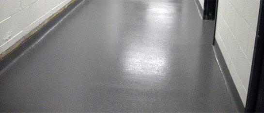 Достоинства и недостатки бетонного пола