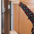 Как установить металлическую дверь