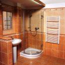 Как обустроить ванную в загородном доме