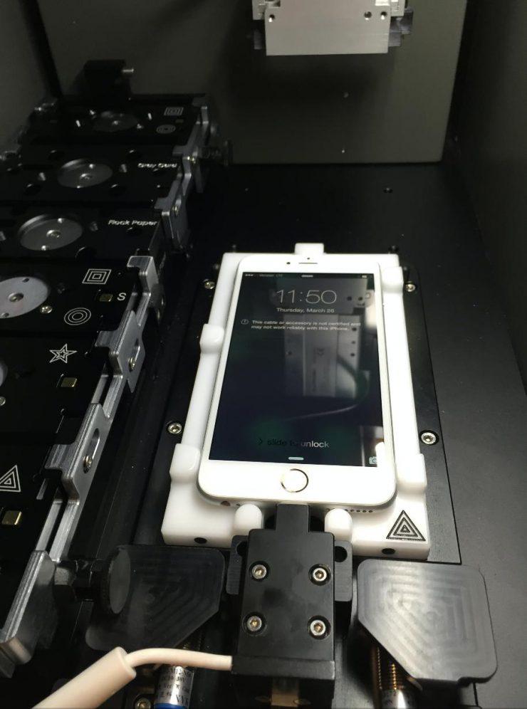Как выглядит калибровочная машина для iPhone