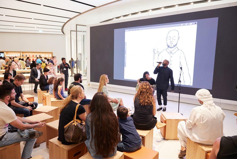 Как выглядит самый красивый магазин Apple