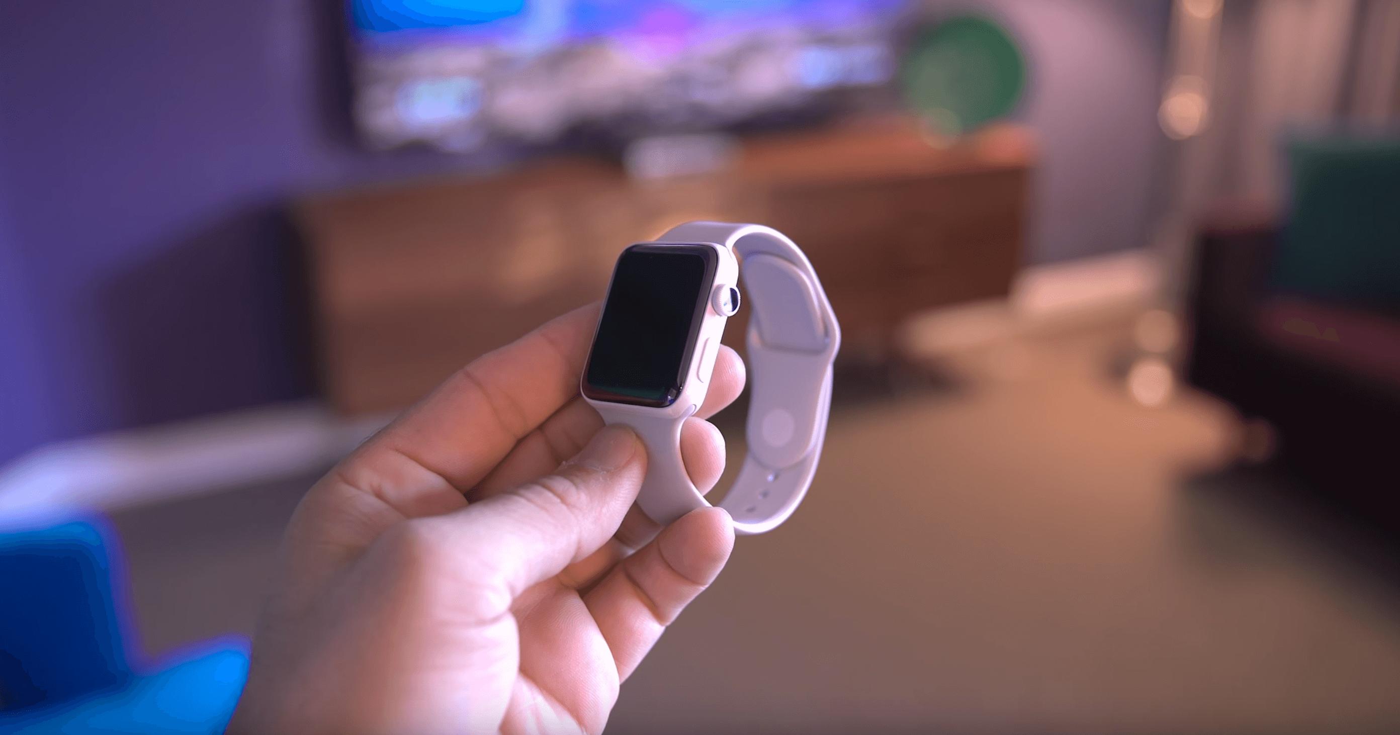 Цена на Apple Watch в России упала до 16 тысяч рублей