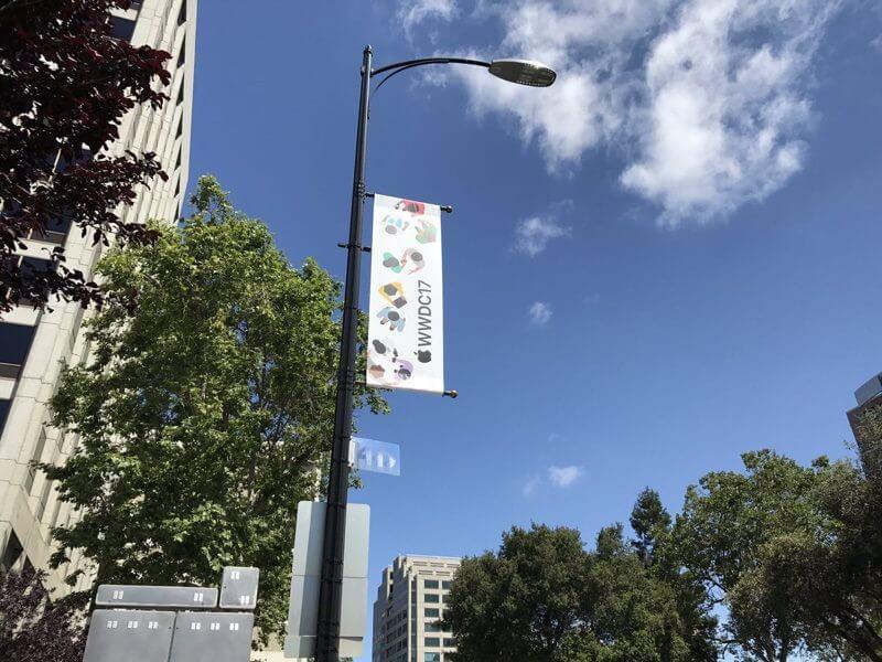 Место проведения WWDC 2017 уже украсили баннерами