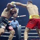 Гассиев отправил в нокаут Влодарчика в бою Всемирной суперсерии бокса